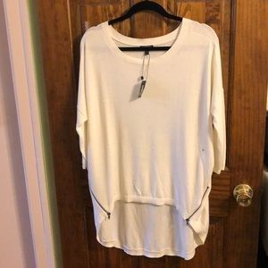 Express 3/4 Sleeve Cream Sweater Size: M